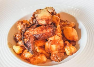 Foto_Piatti_Gnocchi di patate con capriolo dell'appennino e porcini croccanti