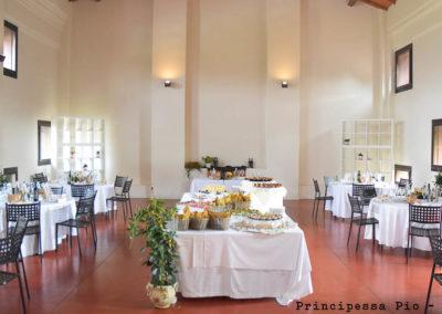 Particolare allestimento sala interna per matrimonio al ristorante Principessa Pio di Ferrara