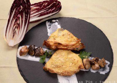 Foto_Piatti_Crespelle gratinate al forno con spinaci e funghi porcini dell'Appennino