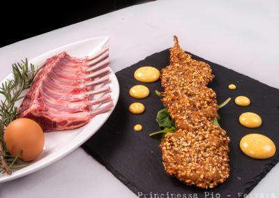 Foto_Piatti_Costolette di agnello dorate in crosta di pistacchi, maionese alla paprika