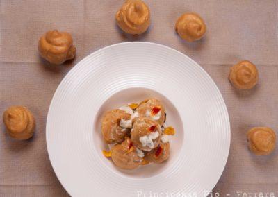 Foto_Piatti_Profiterole con ricotta, funghi dell'Appennino e crema di gorgonzola dolce